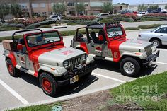 jurassic park world Jurassic Park Jeeps Photograph by Tommy Anderson Jeep Wrangler Yj, Jeep Xj, Jeep Gear, Jurassic Park Car, Jeep Lights, Jeep Mods, American Motors, Expedition Vehicle, Parking Design