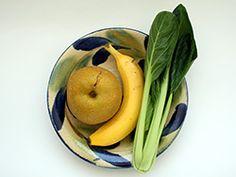 1/2 pear, 1 banana, a bunch komatsuna or mustard spinach, 70-100ml water