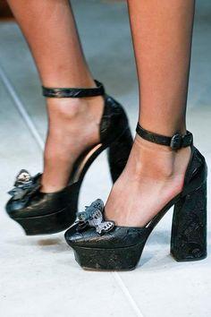 Боттега венета красные туфли
