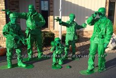 This was a great costume for the family and getting everyone involved. We had a Halloween wedding to attend and needed costumes for it. We talked of a group Disney costume and in the search my husband found the toy soldier from Toy Story. Army Men Costume, Toy Soldier Costume, Toy Story Halloween Costume, Toy Story Costumes, Disney Halloween Costumes, Halloween Costume Contest, Halloween Costumes For Kids, Costume Ideas, Superhero Family Costumes
