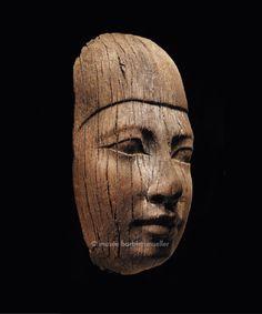 Visage, Ancien Empire, Ve dynastie, Égypte   Égypte prédynastique et pharaonique - Les Musées Barbier-Mueller