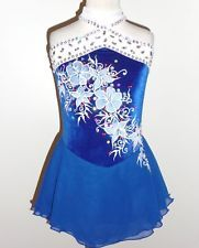 It is beautiful and incredibly sparkling. Baton Twirling Costumes, Figure Skating, Custom Made, Skate, Costume Ideas, Fitness, Shopping, Beautiful, Tops