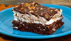 Der beliebte GURU Quarkkuchen. Wenn man Appetit auf etwas Quarkiges, Karamelliges oder Nuss-schokoladiges hat, ist dieser Kuchen die richtige Wahl!
