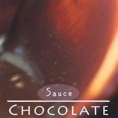 Starbucks Mocha Frappuccino at Home [Copycat Recipe] - Eugenie Kitchen Ice Caramel Macchiato, Caramel Frappuccino, Homemade Frappuccino, Frappuccino Recipe, Tuiles Recipe, Oreo Cake Pops, Cookie Pops, Yule, Chocolate Sauce Recipes