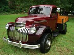 I really prefer this coloring for this chevy trucks 1952 Chevy Truck, Chevy Pickup Trucks, Classic Chevy Trucks, Gm Trucks, Truck Camper, Chevrolet Trucks, Lifted Trucks, Cool Trucks, Diesel Trucks