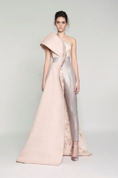 Rami Al Ali Spring Summer 2017 Haute Couture Collection - Share The Looks Look Fashion, High Fashion, Fashion Show, Fashion Design, Trendy Fashion, Fashion News, Fashion Advisor, Gothic Fashion, Trendy Dresses