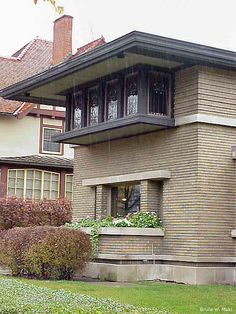 Details of Meyer May house. The wide roof overhang is a hallmark of Wright's Prairie Style of architecture.