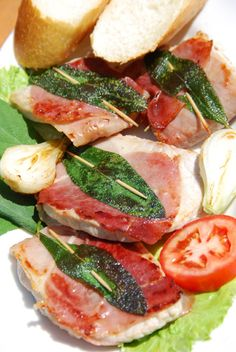 Saltimbocca alla Romana, an Authentic Italian Recipe from our kitchen to yours. Rinse the veal cutlets and place them on paper towels to dry. Veal Recipes, Gourmet Recipes, Chicken Recipes, Cooking Recipes, Italian Dishes, Italian Recipes, Italian Meals, Saltimbocca Alla Romana Recipe, Roman Food