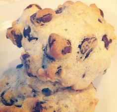 http://blondiespaleojourney.weebly.com/my-blog/coconut-chocolate-chip-cookies-keto-and-lactopaleo