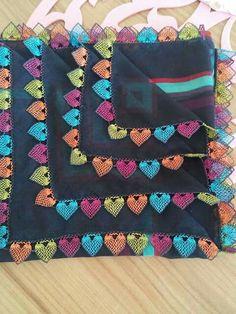 Heart-shaped Needle Lace Models Heart Shaped Needle Lace for Lovers İğne Oyası Crochet Borders, Filet Crochet, Saree Tassels Designs, Knit Edge, Crochet Needles, Needle Lace, Lace Making, Knitting Socks, Crochet Designs