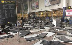 Foto de usuário do Facebook que estava no aeroporto de Bruxelas no momento da explosão