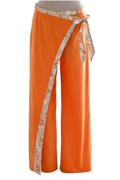 Pantalons à lien forme portefeuille en coton orange : Pantalons, jeans, shorts par atelier-yukako