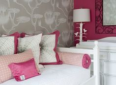This bedroom is screaming my name.....I LOVE IT!!!! Fuchsia and grey guest room
