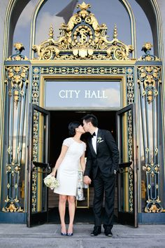San Francisco city hall elopement. Connie Lyu Photography.