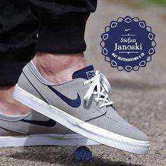"#nikesb #nike #stefanjanoski #sj #sjmax #nikesj #sneakerbaas #baasbovenbaas  Nike SB Stefan Janoski ""Medium Grey"" - Now available online - Priced at 84.95 Euro  For more info about your order please send an e-mail to webshop #sneakerbaas.com!"