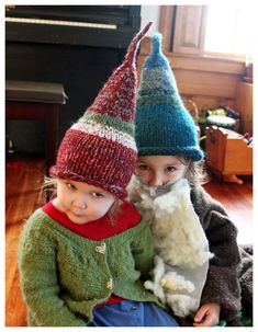 knit hat for kids - gnome hat knitting pattern - The Scrappy Gnome hat *Little Home Blessings* website. Knitting For Kids, Loom Knitting, Free Knitting, Knitting Projects, Baby Knitting, Crochet Projects, Bonnet Crochet, Knit Or Crochet, Crochet Hats