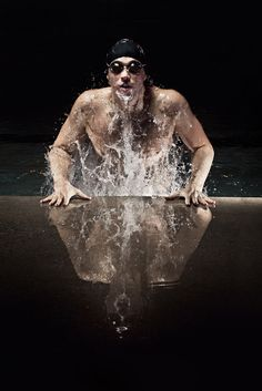 A revisit of my previous swimmer sportrait. I focused on making the lighting more interesting and having more motion in the water Swimming Senior Pictures, Swimming Photos, Swimming Memes, Swimming Diving, Senior Pictures Boys, Senior Photos, Sea Diving, Team Pictures, Team Photos