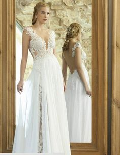 Close+close 2015+New+Wedding+Dress,whit.. Size+2:  Bust:+32+1/2inches,+83cm  Waist:+25+1/2+inches,+65cm  Hips:+35+3/4+inches,+91cm  Hollow+to+floor(shoulder+to+floor):+58inches,+147cm  Size+4:  Bust:+33+1/2inches,+84cm  Waist:+26+1/2+inches,+68cm  Hips:+36+3/4+inches,+92cm  ...