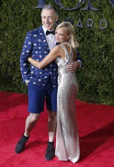 Show co-hosts Kristin Chenoweth and Alan Cumming. REUTERS/Eduardo Munoz