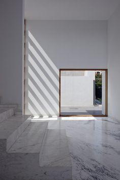 Haus + AR + / + Lucio + Muniain + et + al - Architektur Interior Exterior, Home Interior, Exterior Design, Architecture Design, Minimalist Architecture, Amazing Architecture, Ares, Interior Design Inspiration, House Design