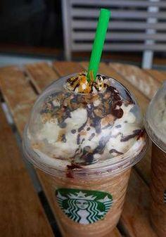 "Starbucks Secret Menu Item: Samoa Frappuccino - I love Samoa Girl Scout Cookies. Gotta try this. Quite a few yummy drinks on this ""Secret menu"" Drink Menu, Food And Drink, Yummy Drinks, Yummy Food, Fancy Drinks, Starbucks Secret Menu Items, Cocoa, Starbucks Recipes, Starbucks Coffee"