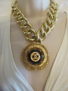 Preowned Chanel Vintage 1986 Three Strand Pearl Choker Wgold