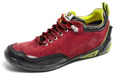Icebug Spruce Trail Walker. I'm crushing hard on this brand. The traction and durability of these shoes is amazing…and oh so stylish.