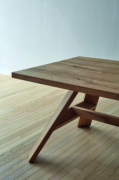 - Tisch Artigiano