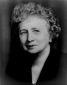 First Lady ~~Bess Truman (née Elizabeth Virginia Wallace; February 1885 – October was the wife of Harry S. Truman and First Lady of the United States from 1945 to 1953 First Lady Of America, Us First Lady, First Daughter, Presidents Wives, American Presidents, American History, Presidential History, Presidential Portraits, Dogue De Bordeaux