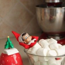 Elf on the Shelf - marshmallow bath