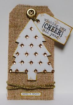 """I added """"The Altered Paper"""" to an #inlinkz linkup!http://thealteredpaper.blogspot.com/2016/11/o-christmas-tree.html"""