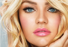 Candice Swanepoel. Always natural glowing makeup