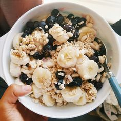 ☼ ☾pinterest   champanamami healthy smoothie bowl banana blueberries health food