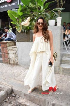 Kiara Advani snapped post lunch at The Kitchen Garden Western Dresses, Western Outfits, Indian Dresses, Indian Outfits, Party Wear Dresses, Cute Dresses, Casual Dresses, Wedding Dresses, Indian Designer Outfits