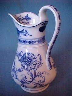 Antique blue onion water pitcher!!!  Fabulous!!! 12 in tall, most likely at one time part of a water bowl/pitcher set.  Marked Villeroy & Boch, Dresden. Dresden was heavily bombed in WW11.  Also Dresden is a very old mark (c1900).  Eventually instead of names of cities, country name of origin was required. As in Germany.....but all began before WW11.