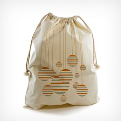 Pouch. For laundry, presents or travelling. Design: Patrick Bauer & Georg Leditzky/Die SELLERIE
