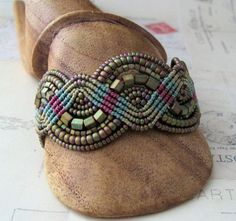 Nice mix, blog seems to have unusual ideas. Micro Macrame Waves in Khaki