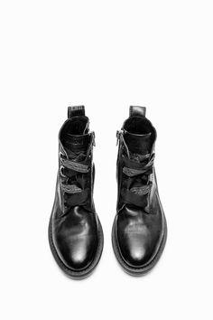 http://www.zadig-et-voltaire.com/eu/en/boots-woman-laureen-roma-boots-black.html