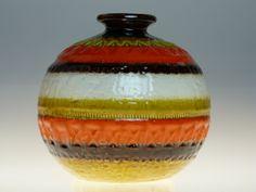 Bitossi Orange vase Aldo Londi. From the Funkyvintagelover collection. www.20thcenturyvintage.co.uk Modern Decor, Mid-century Modern, Italian Pottery, Look Vintage, Vintage Lamps, Retro Home, Glazed Ceramic, Hanging Lights, Clay Art