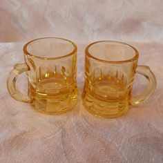 Two Yellow Federal Glass Shot Glasses VINTAGE / VINTAGE 2 shot glasses yellow / Federal Glass / glass Collection VTG Shooter