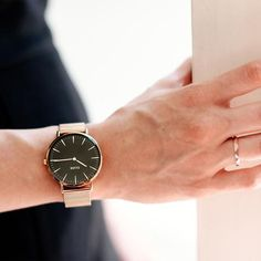 Cluse La Bohème Mesh Rose Gold/Black Watch   Available at www.modespot.be