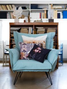 TOP TEN CHAIR for design and decoration de casas interior decorators Farmhouse Furniture, Home Furniture, Furniture Design, Living Room Styles, Living Spaces, Comfy Reading Chair, Comfy Chair, Reading Nook, Style Salon