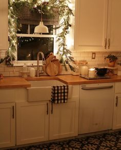 love the greenery for kitchen