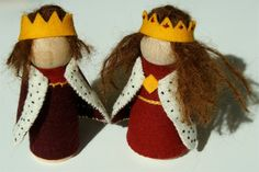 King and Queen Peg Dolls by SashaBlythe on Etsy, $46.00