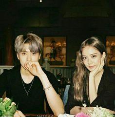 Cute Couples Goals, Couple Goals, Lisa Bp, All About Kpop, Kpop Couples, Kim Jung, Blackpink And Bts, Jaehyun Nct, Jung Jaehyun