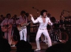 Elvis dancing at the Las Vegas Hilton 1970