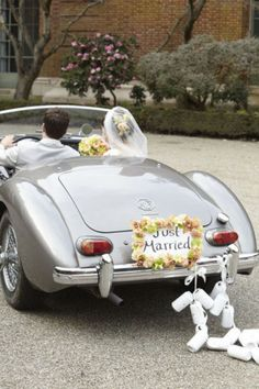 Your wedding theme and style are chosen, your outfits and décor are ready, and here's the final flourish left – your getaway car. The car that you'll use to escape from your celebration should be chic! Wedding Trends, Wedding Blog, Dream Wedding, Wedding Day, Wedding Wishes, Garden Wedding, Wedding Story, Wedding Beauty, Perfect Wedding