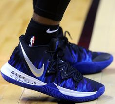 Every Sneaker Worn By Kyrie Irving This Season Basketball Shoes Kyrie, Jordan Basketball Shoes, Football Shoes, All Nike Shoes, Kobe Shoes, Best Sneakers, Sneakers Fashion, Sneakers Nike, Zapatillas Kyrie Irving
