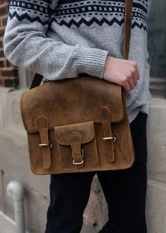 Men's Best Bags For Uni & Leather Laptop Bags University Bag, Back To University, University Style, Leather Laptop Bag, Leather Satchel, Uni Bag, Mens Back, Good Notes, Best Bags