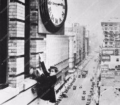photo Harold Lloyd film Safety Last 3634-07